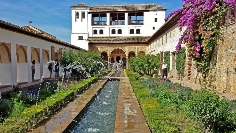 alhambra-517149_1280