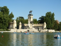 Row boats on the lake in the Retiro