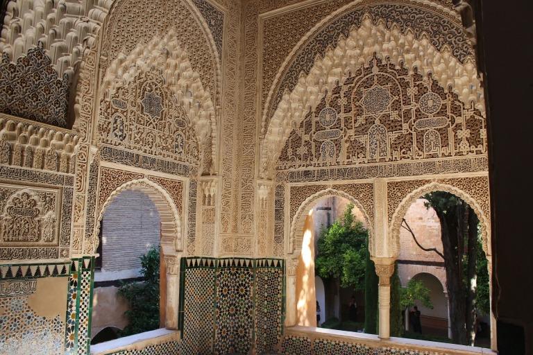 alhambra-402358_1920
